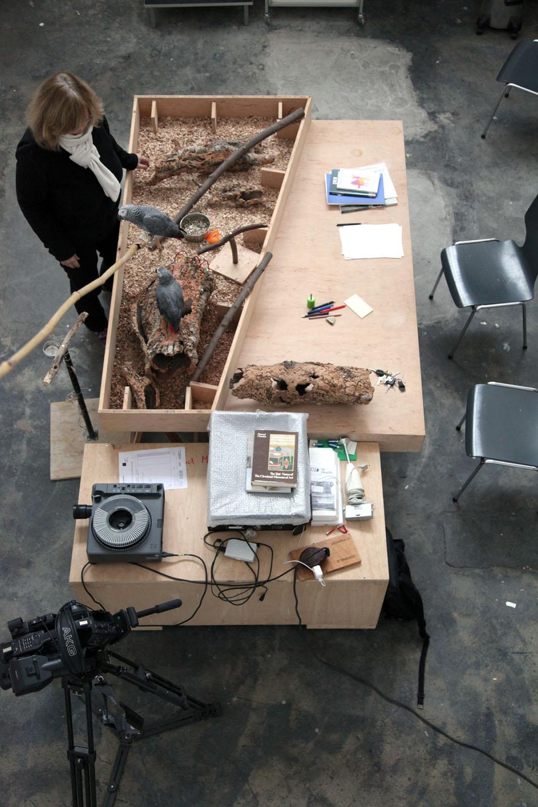 Geteilte Werkbank im Atelier