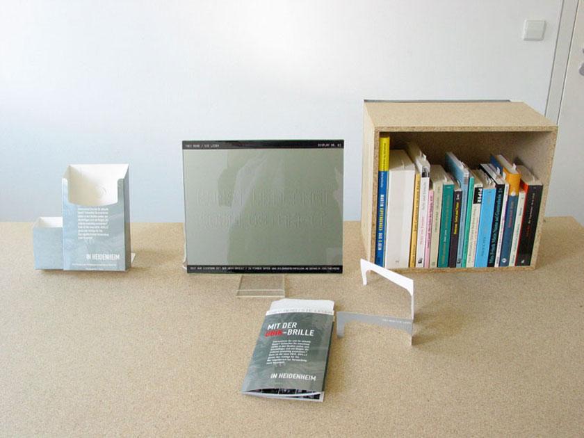 Handapparat mit den Büchern, aus denen die Zitate stammen (Stadtbibliothek)